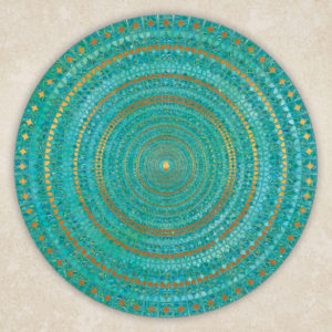 מנדלה מהממת הבנויה מעיטורים בגווני טורקיז ונגיעות זהב על רקע בהיר.